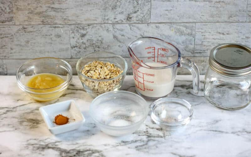 apple pie overnight oats, a healthy recipe, with the ingredients